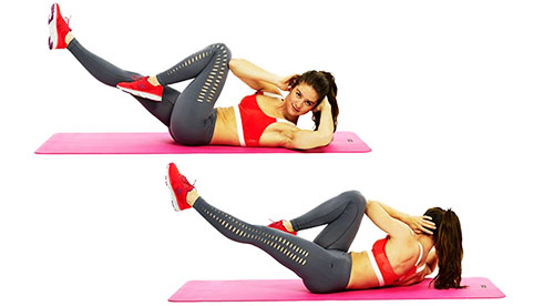 a girl performing bicycle crunches to tone up and lose weights