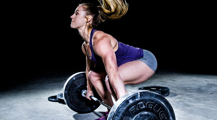 brook wells crossfit athlete showing muscular and strong body