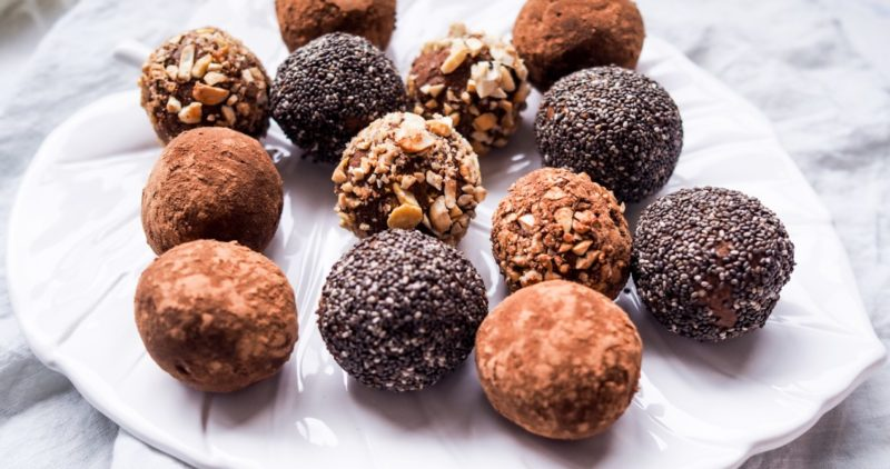 high protein snack recipes: protein balls presented on a plate
