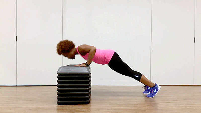 Bodyweight-push-up-with-step