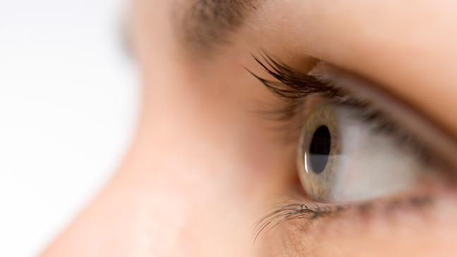 womans healthy eyes from taking Vitamin B6